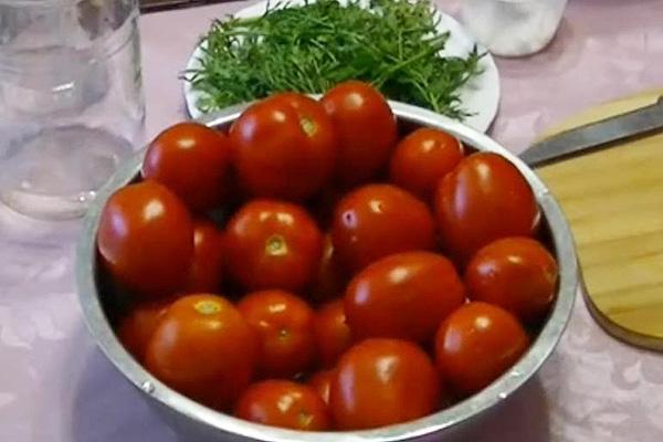 Пикантные помидорчики