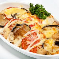 Теплый салат из овощей и грибов